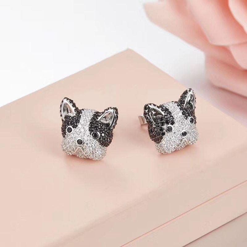 パグ アニマル型ピアス 犬モチーフ CZダイヤモンド 925スターリングシルバー パヴェ ブルドック ワンちゃんのお顔