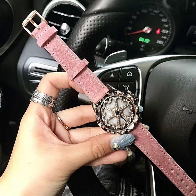 レディース腕時計 動く文字盤 ぐるぐるラインストーン腕時計 ファッションウォッチ 海外人気モデル 日本未発売 / ブリラミコ アンコキーヌ風