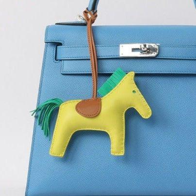 バッグチャーム 本革 ラムスキン ロデオ 馬 ホースデザイン ポニー キーホルダー 選べるカラー