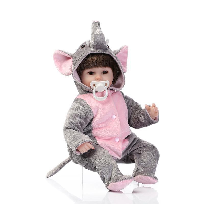 リボーンドール リアル赤ちゃん人形 小さめ40cm かわいいベビー人形 ハンドメイド海外ドール 衣装付き ブラウンアイ ゾウさんスーツの女の子