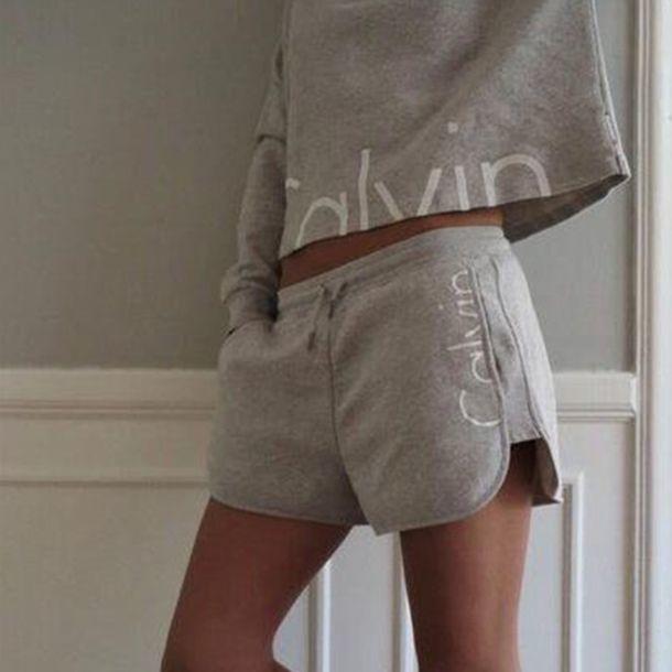 2018カルバンクライン新作 カルバンクラインセット 上下セット 可愛い 長袖  長袖Tシャツ×ショートパンツ pants 2色選択