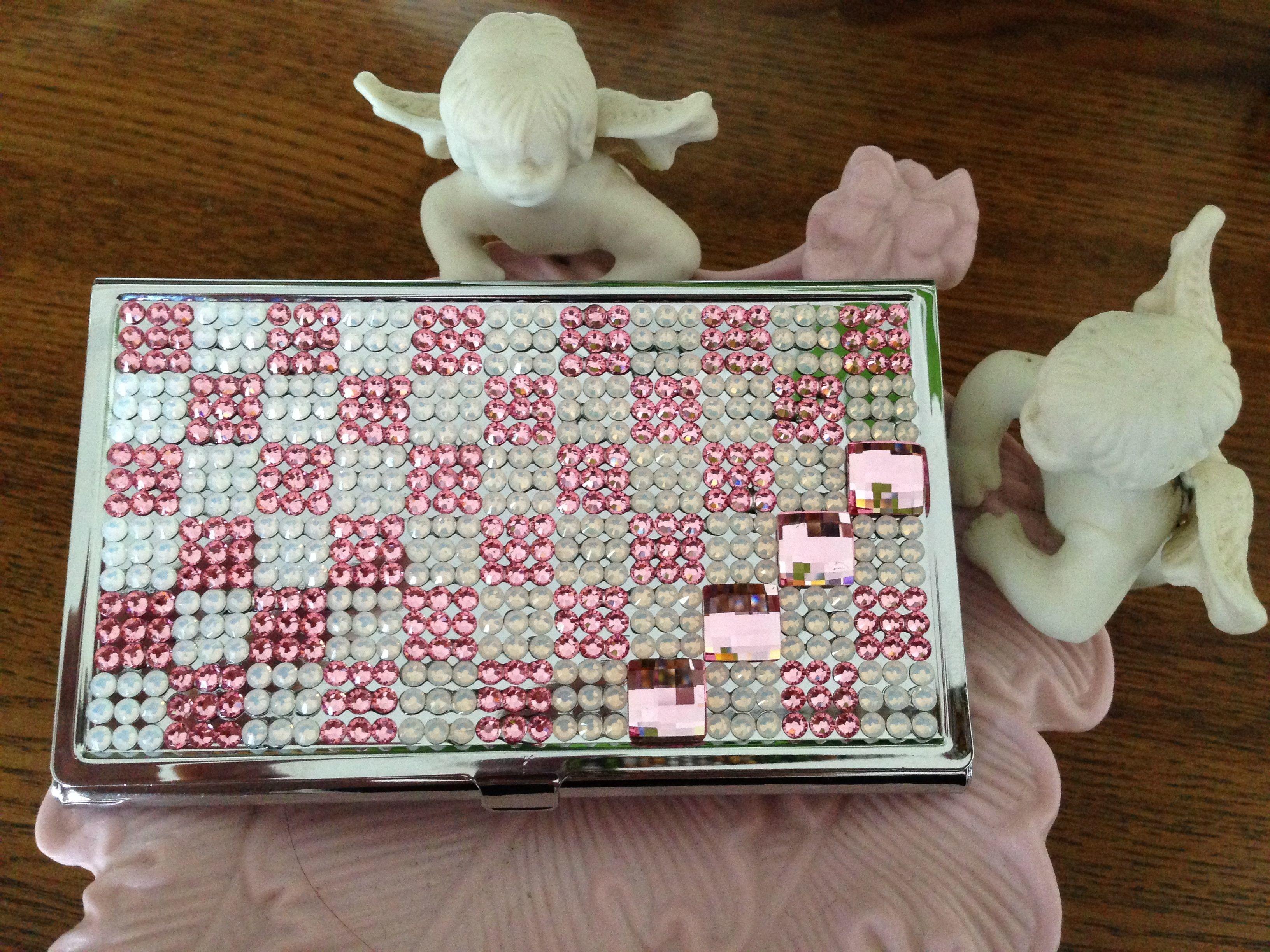 ネイルサロンのDASHING DIVA スカイツリータウンソラマチ店!販売決定!ホワイトオパールとピンクのカードケース