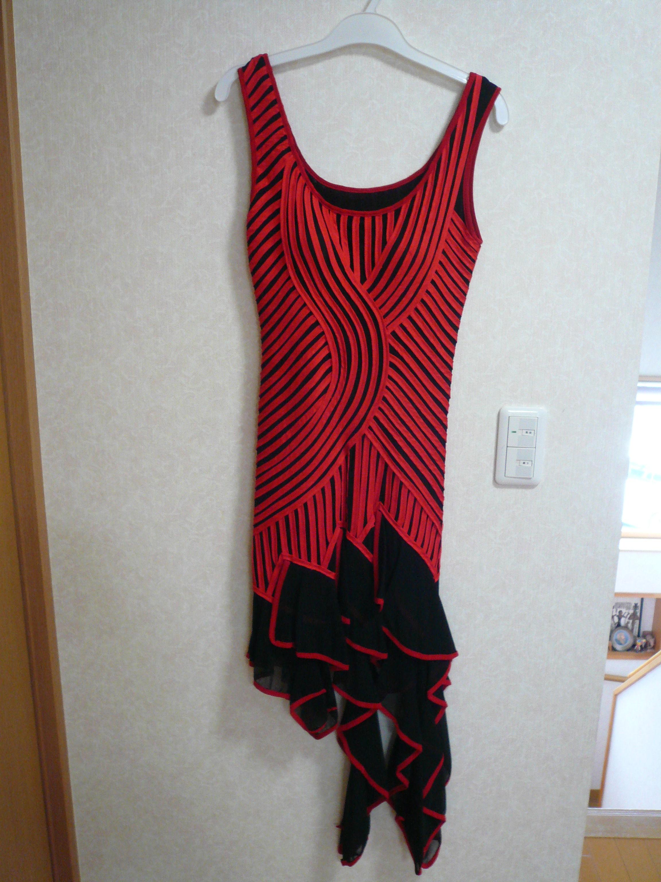 ラテンダンスドレス  新品 赤黒色  格安ドレス