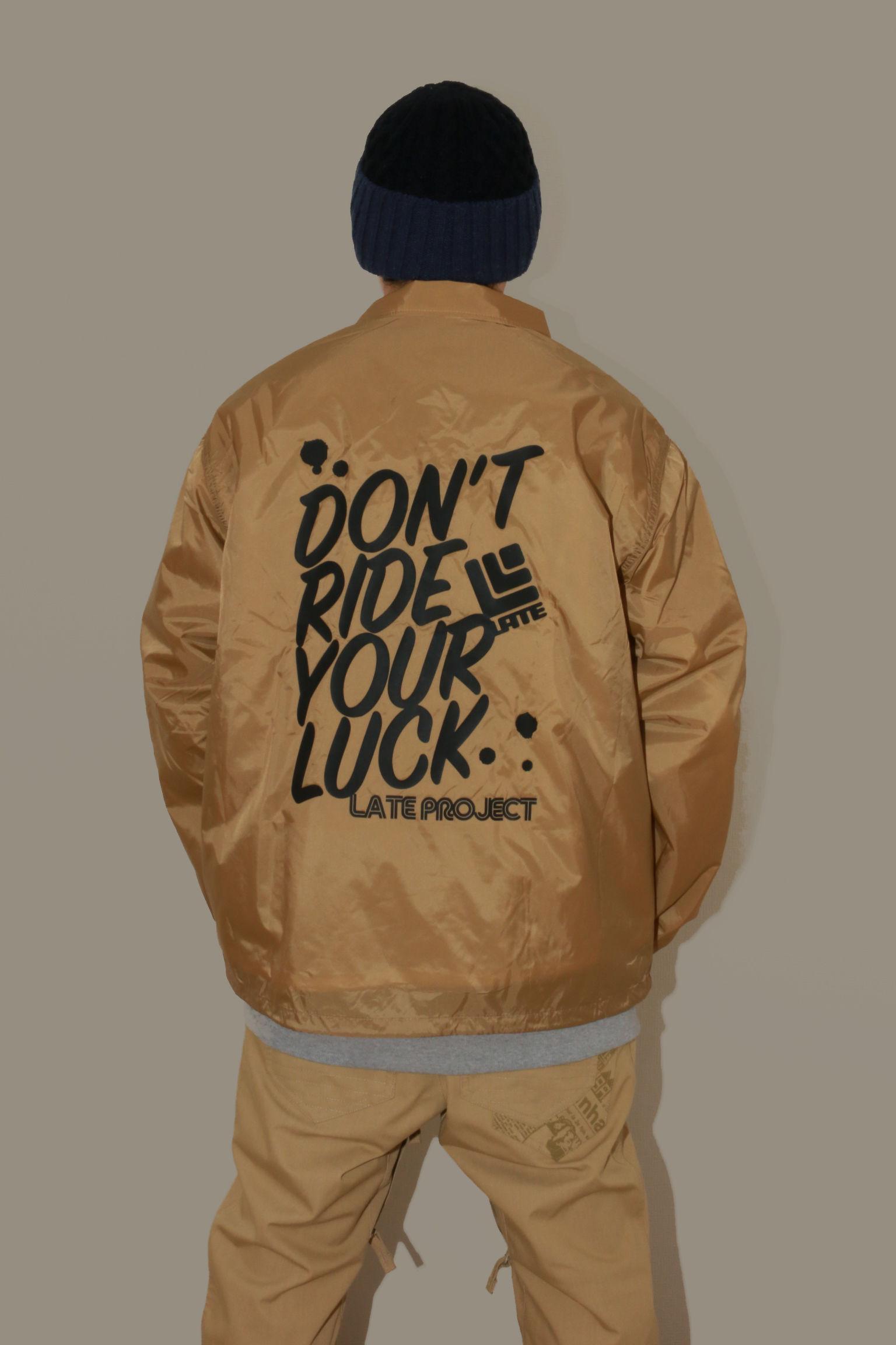 コーチジャケット『DON'T RIDE YOUR LUCK』ベージュ×ブラック【送料無料】早期割10%off13日まで延長・17日締切【残り2着】
