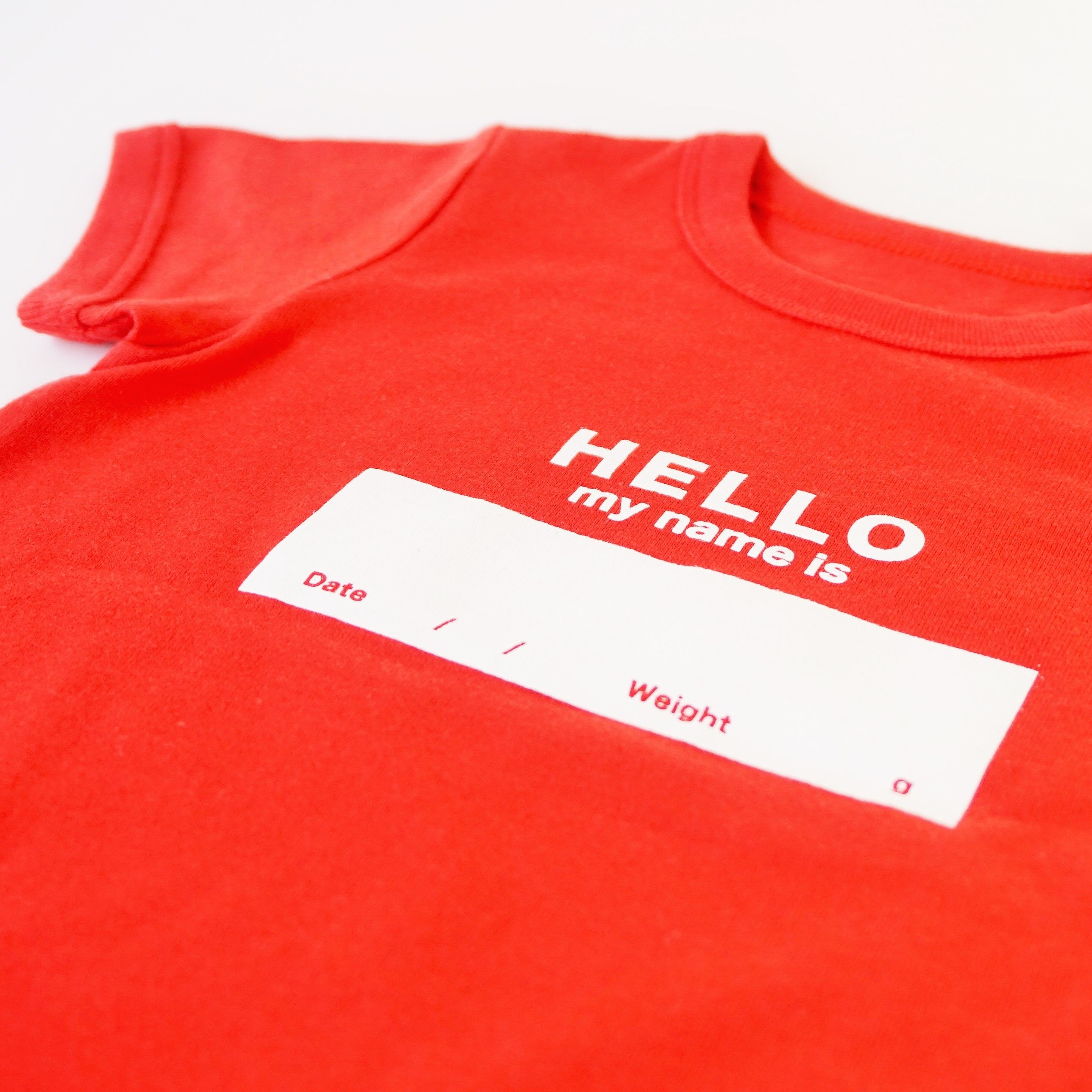 """DRIBBLE """"HELLO MY NAME IS"""" Tシャツ / RED"""