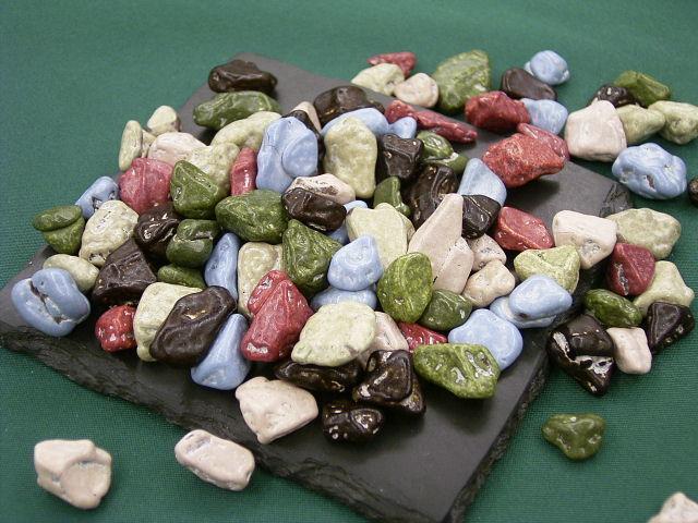 月の小石チョコレート(どっさり1kg)美味しくて、そして溶けにくい♪