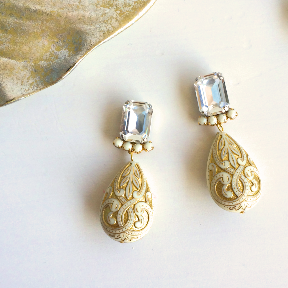 Oriental bijou pierces / earrings - Crystal