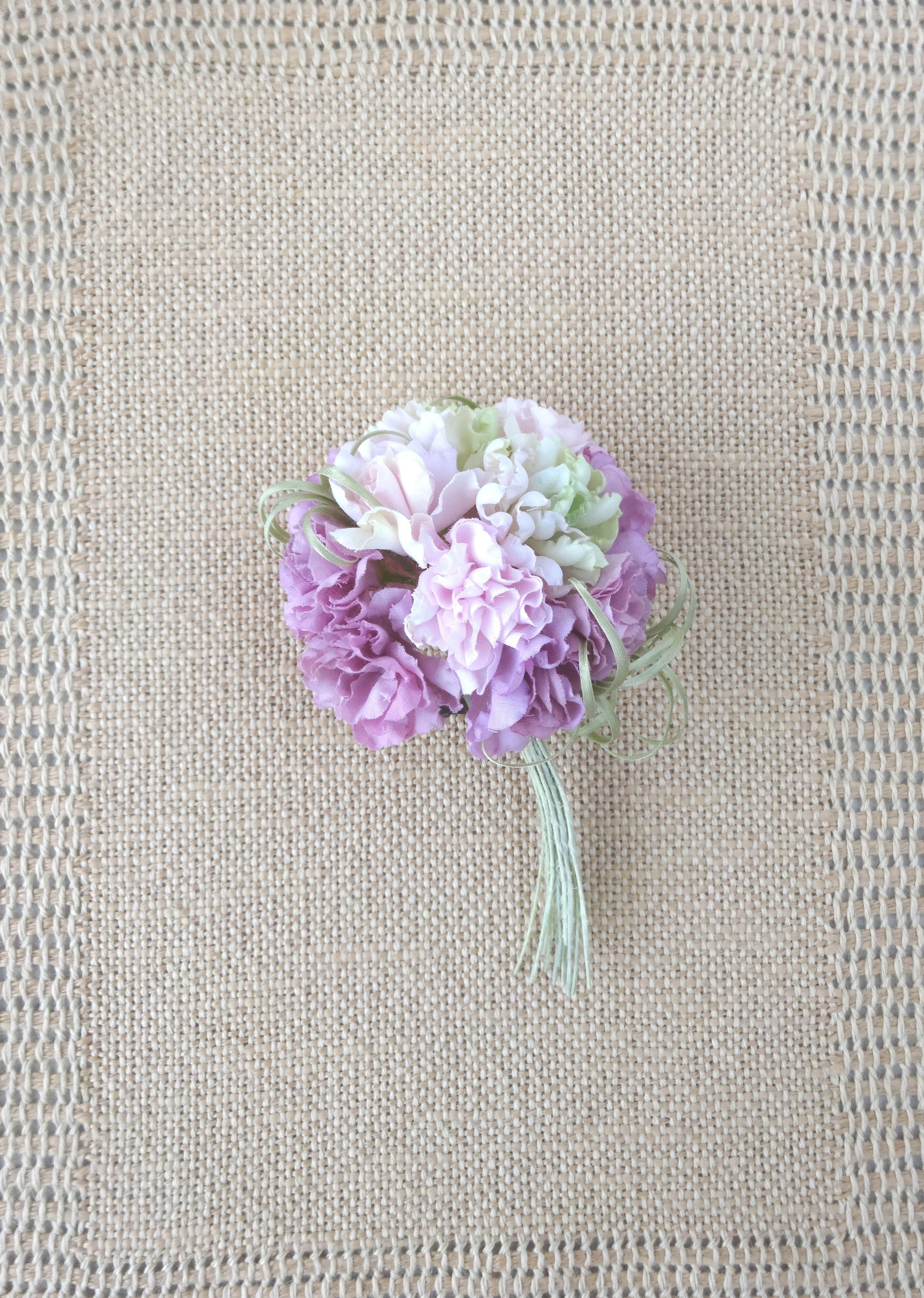 フリル小花のポンポン カーネーション風 パープルmix *綿ローン製* コサージュ