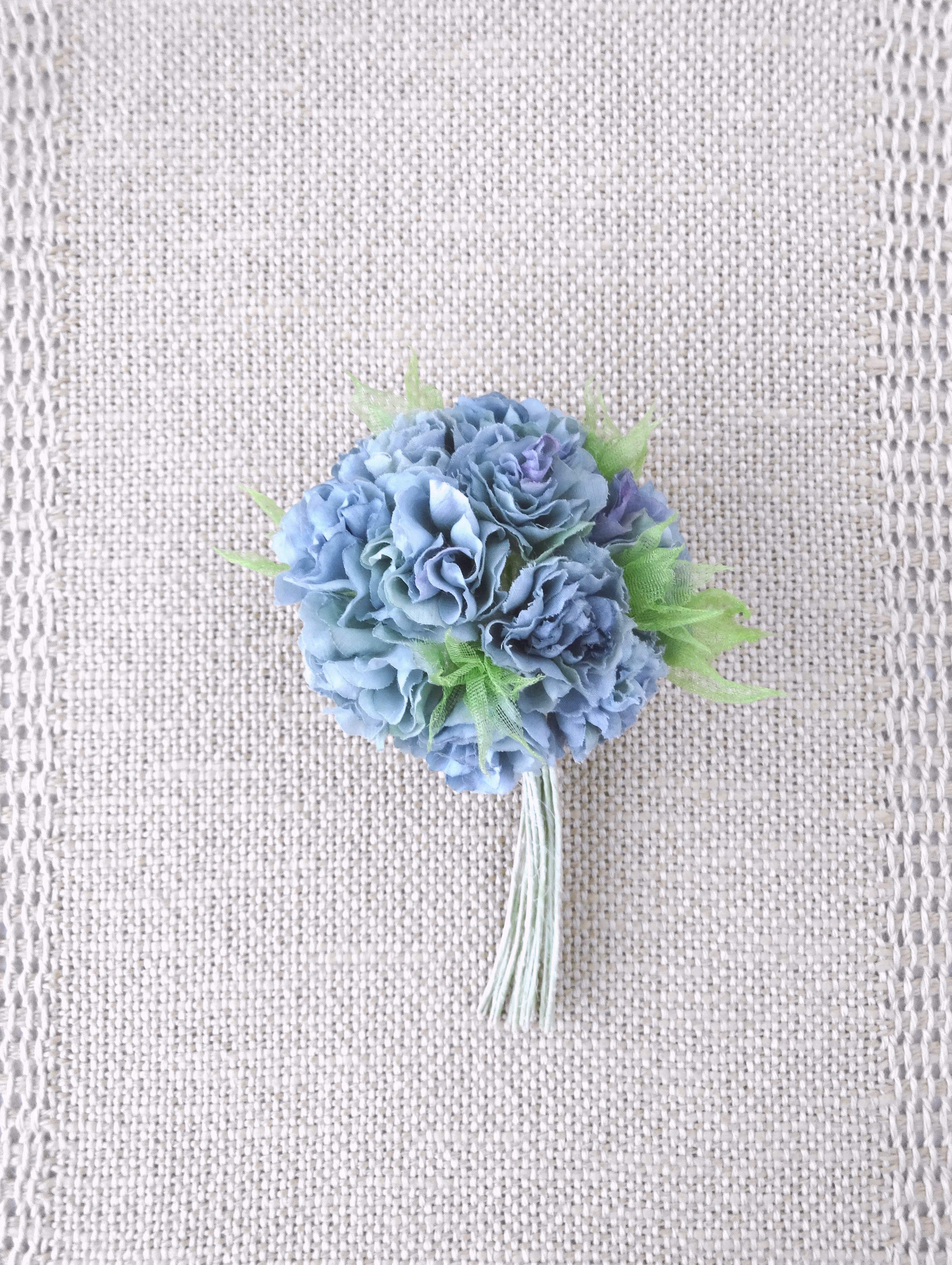 フリル小花のポンポン カーネーション風 ブルーグレー *綿ローン製* コサージュ