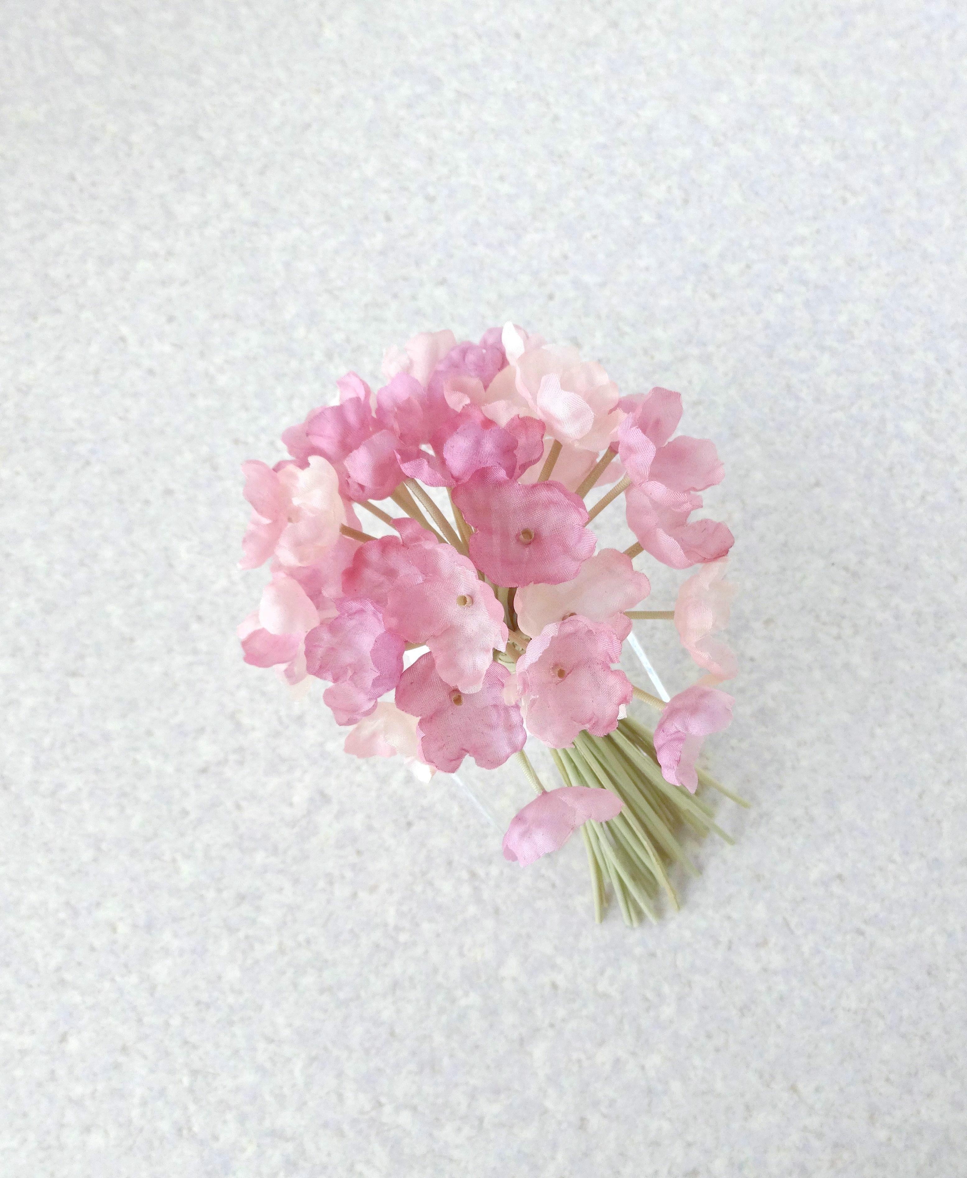 瑞々しい小花のブーケ * シルク羽二重製 * コサージュ