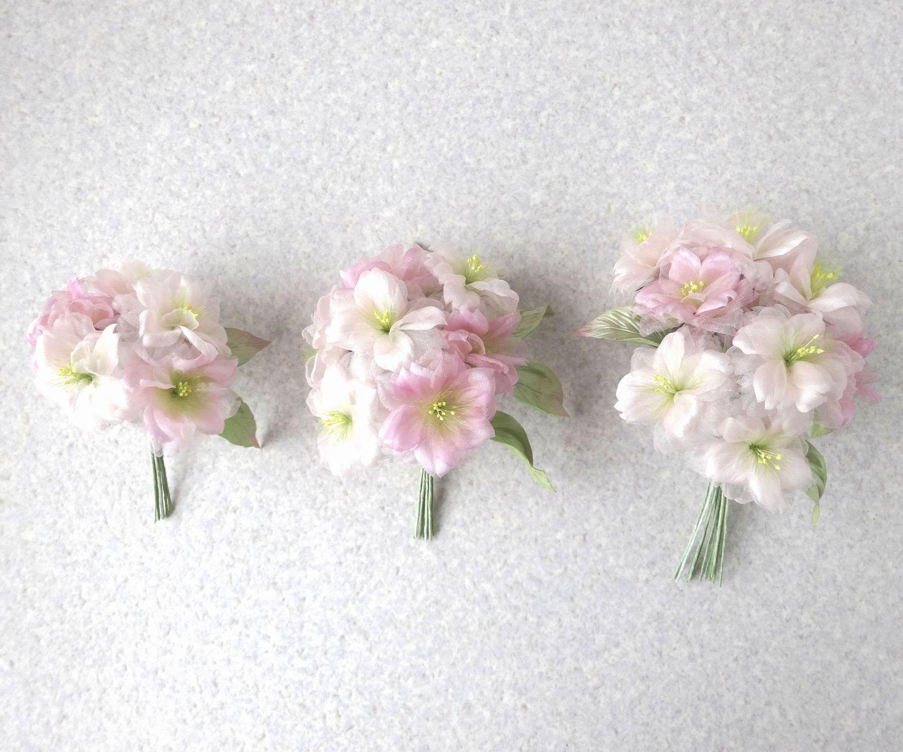 ほんのりピンクの桜 S * 2種シルク製 * コサージュ 髪飾り