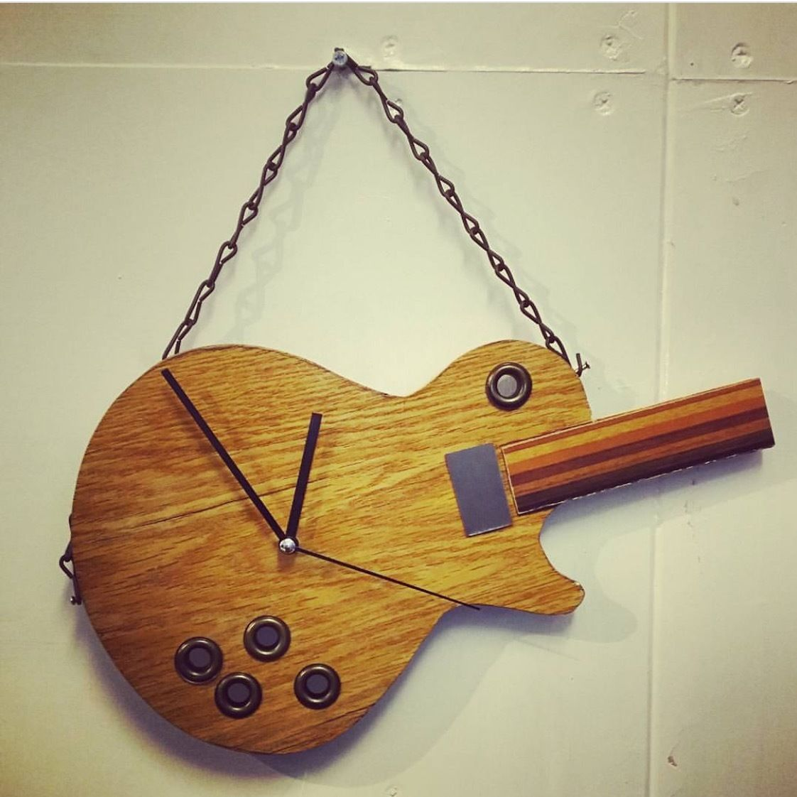 WOOD GUITAR ClOCK