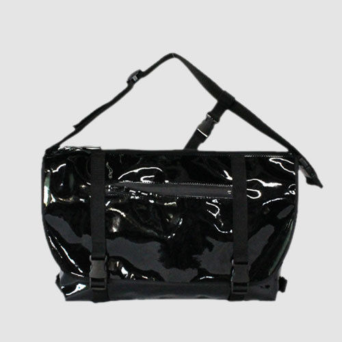 030 MESSENGER BAG _black