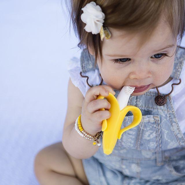 Baby banana ベビーバナナ 歯固め歯ブラシ シリコン