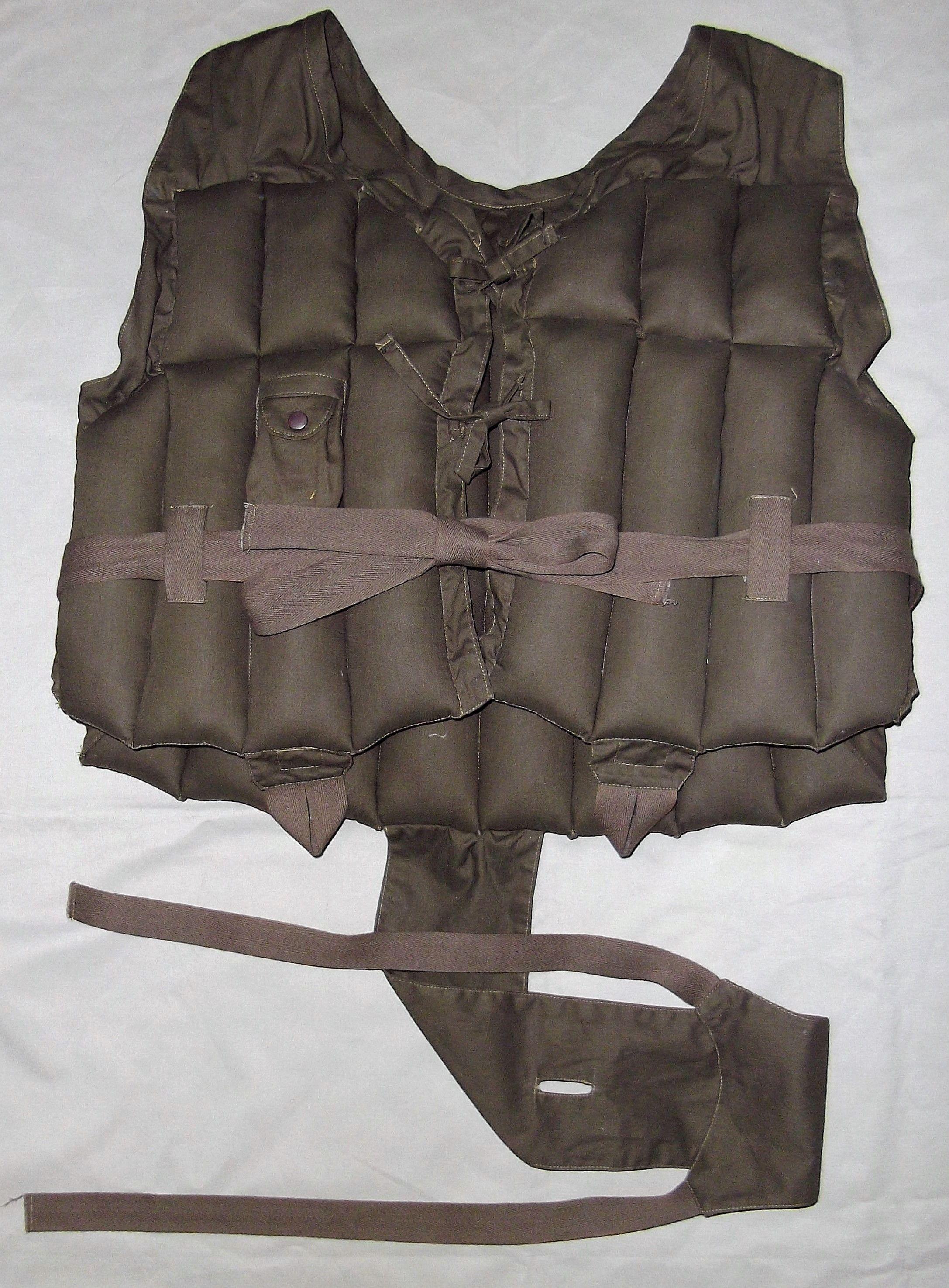 日本海軍 救命胴衣 前期型
