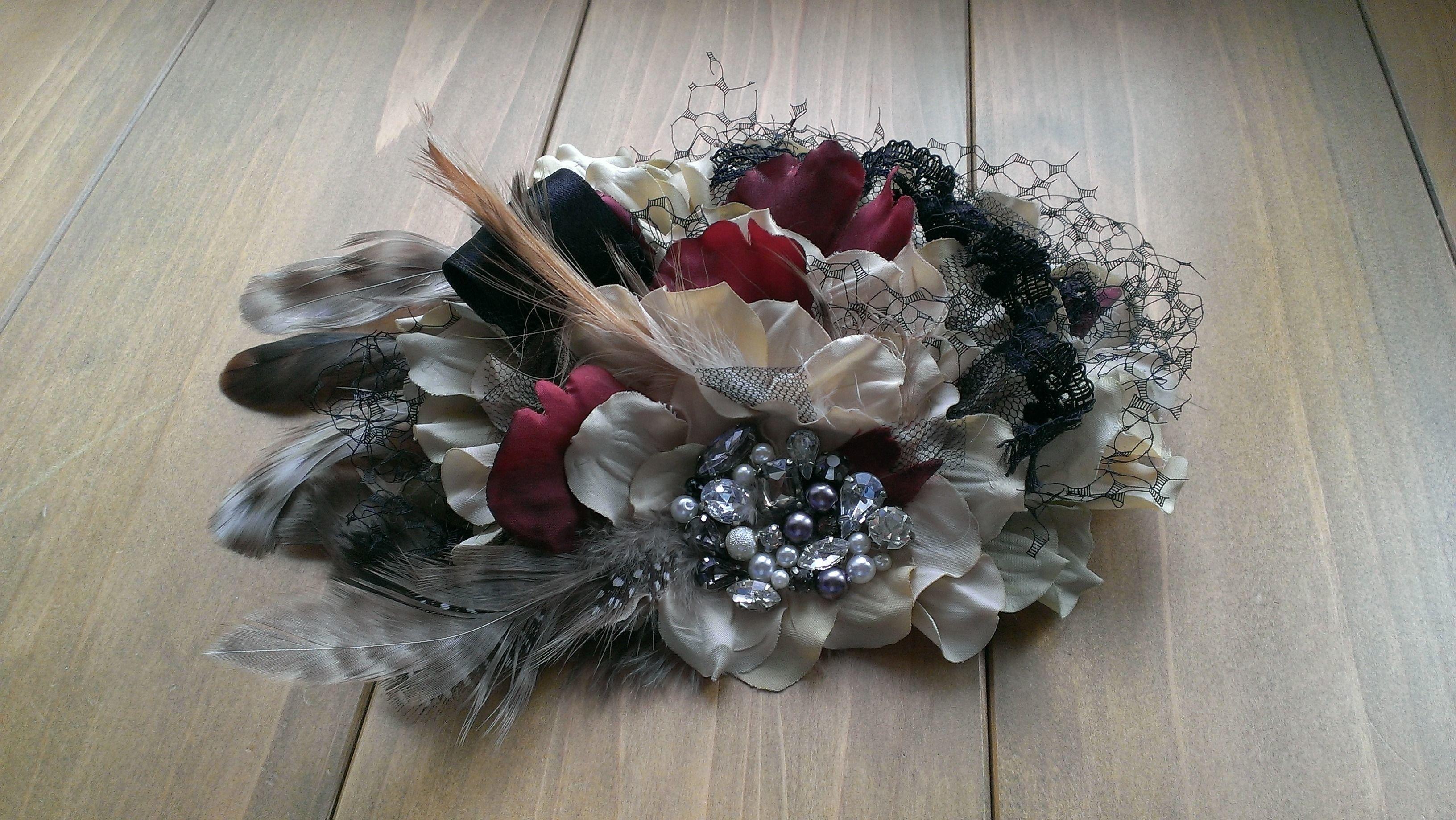 花と羽とビジューのヘッドドレス
