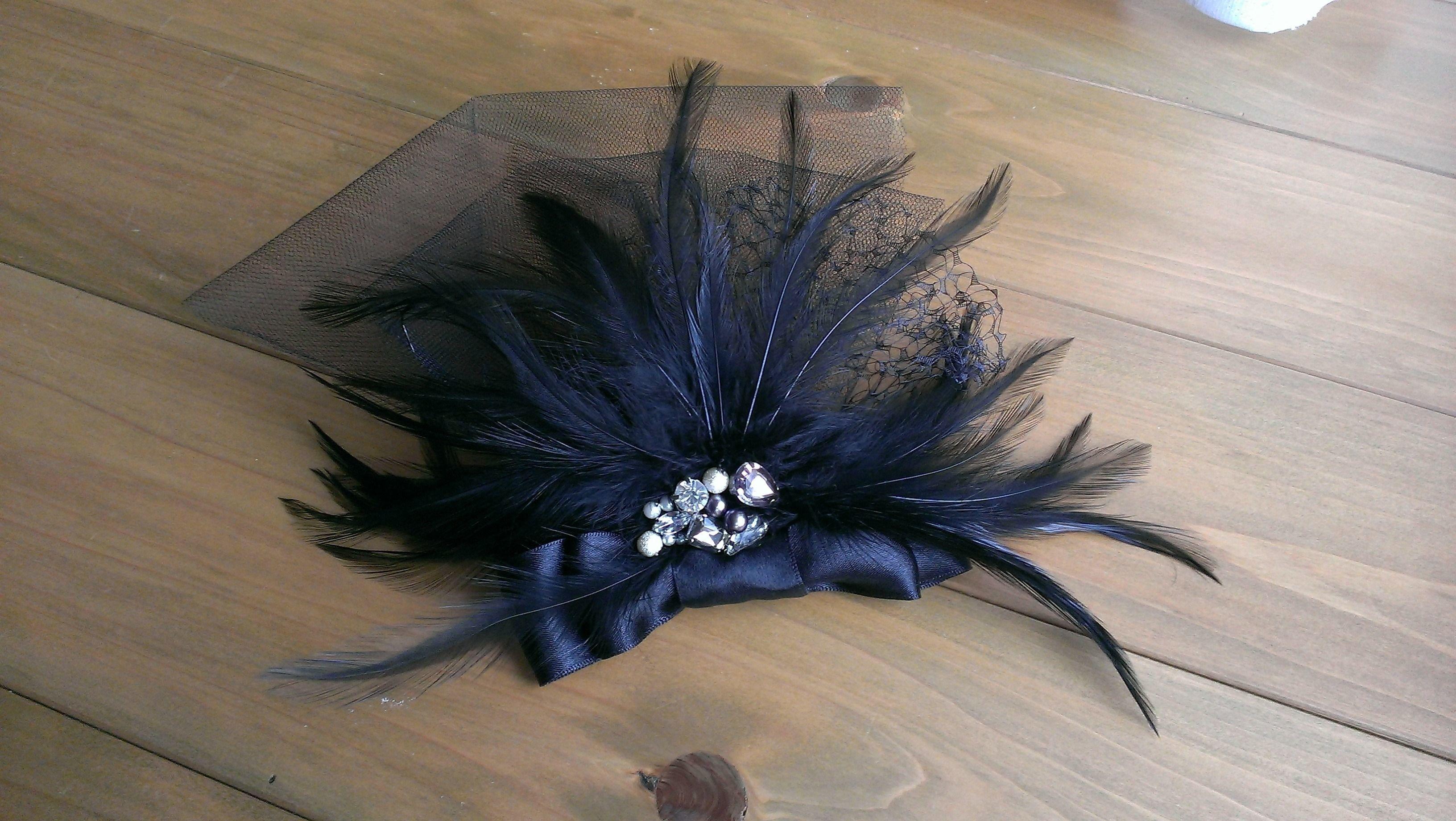 羽とリボンのヘッドドレス