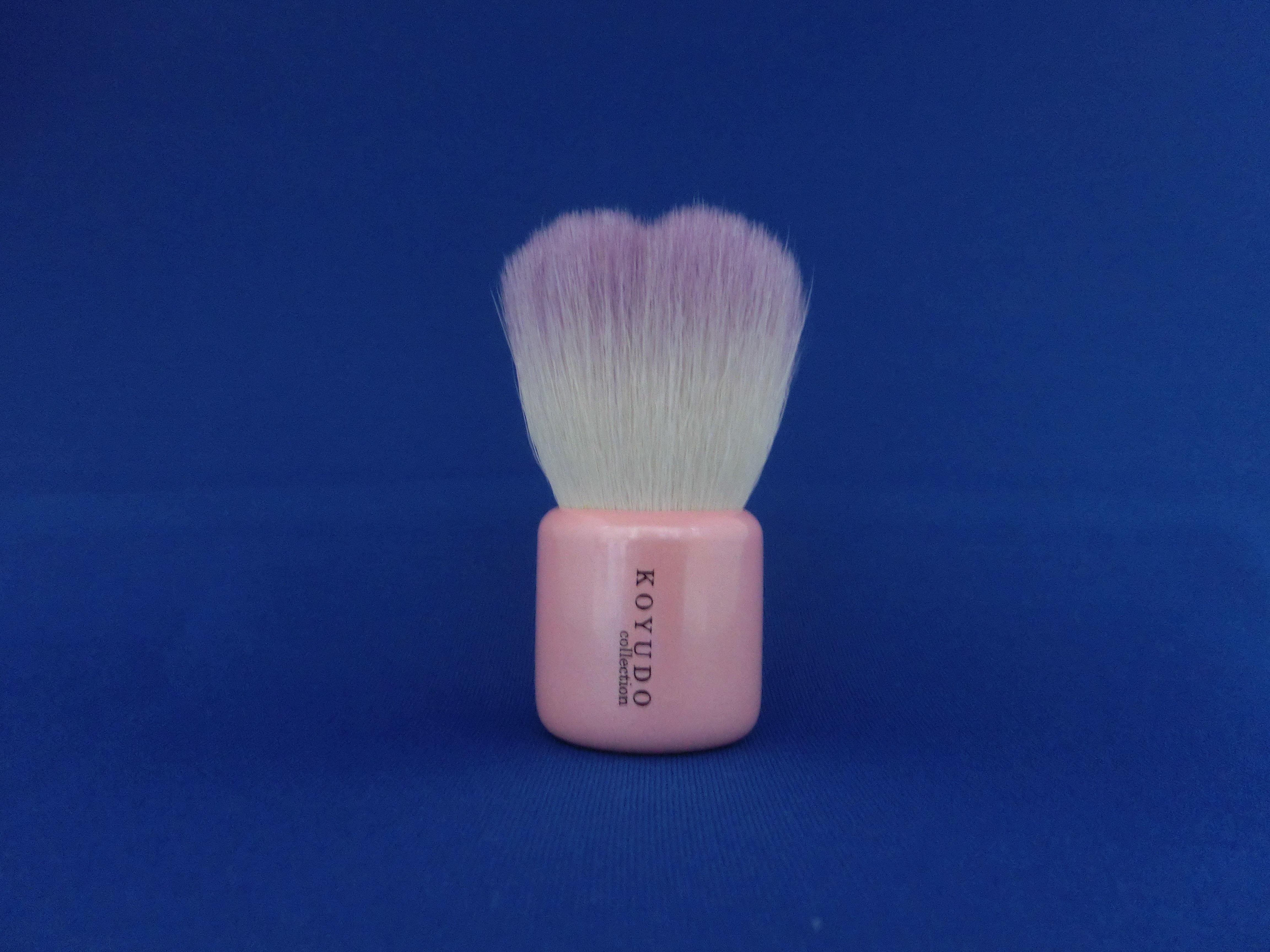 <熊野筆>フラワー型洗顔ブラシ   (紫色毛×ピンク軸)