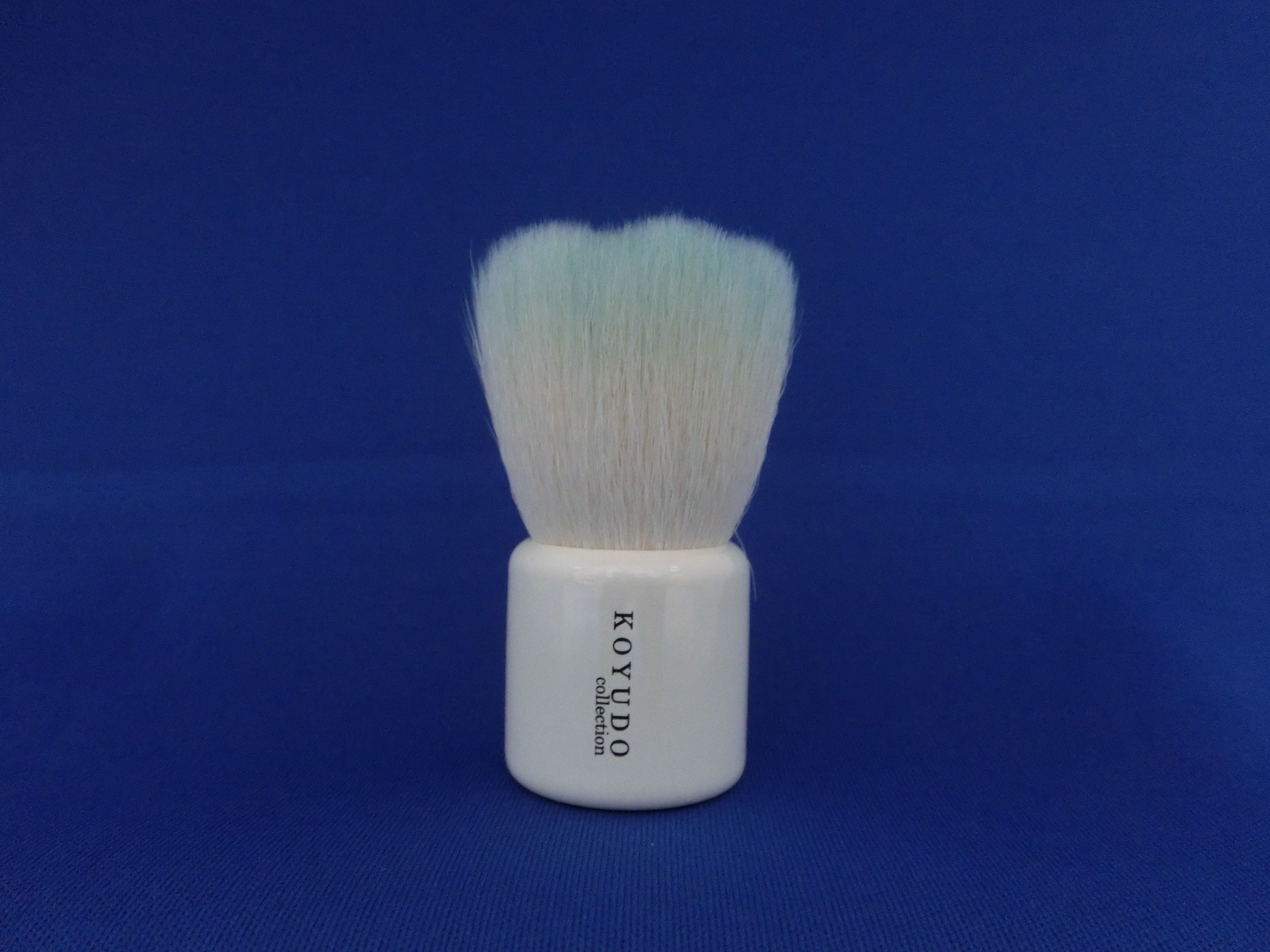 <熊野筆>フラワー型洗顔ブラシ   (ブルー毛×白軸)