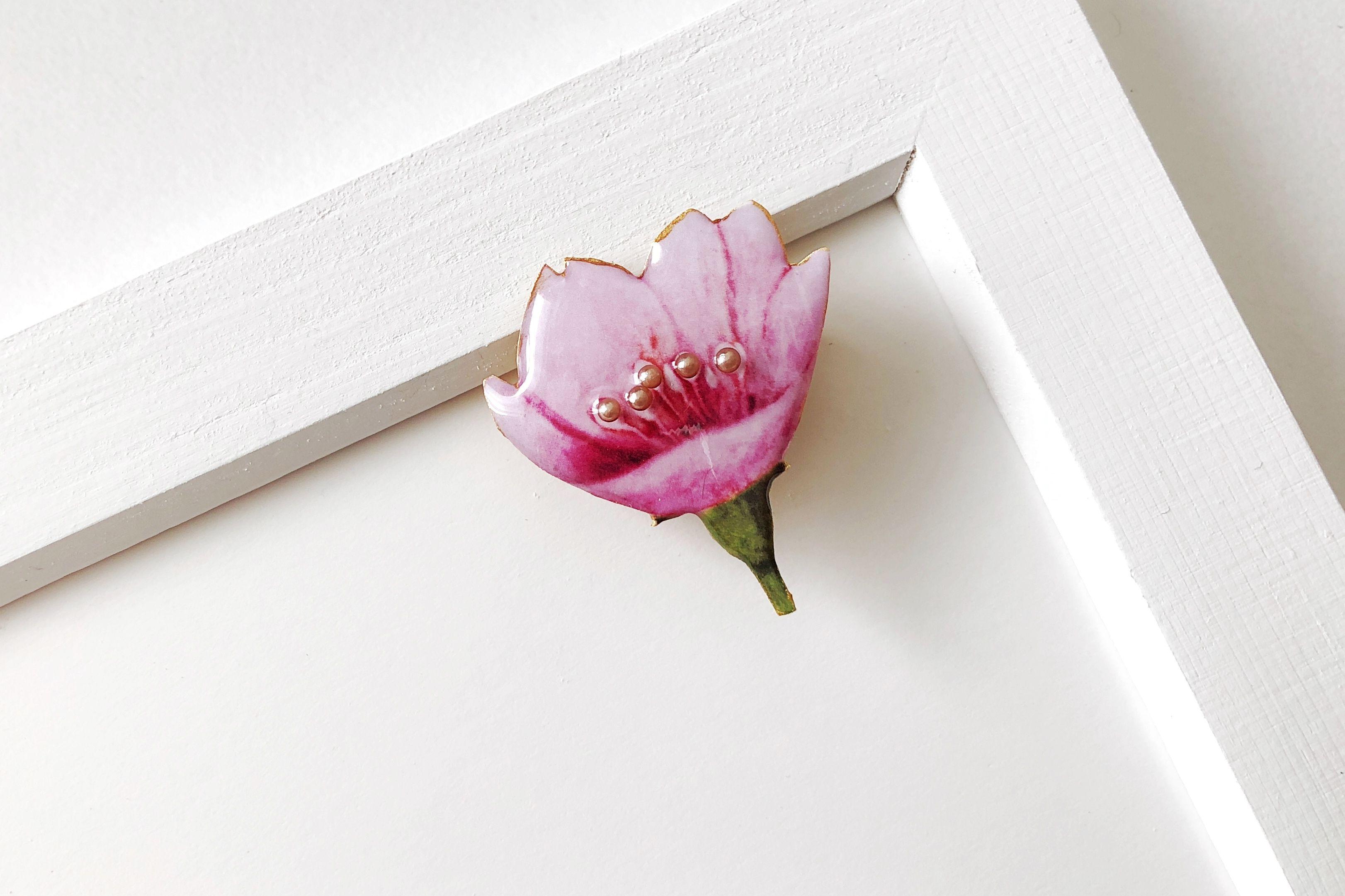 桜のブローチ(ボックス入り)