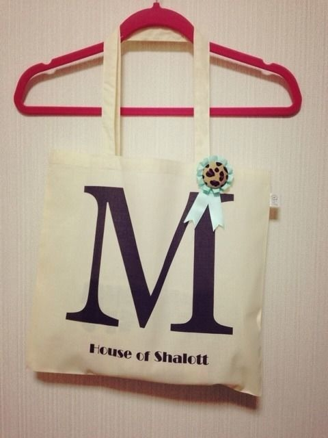 "Alphabet tote with Rosette ""M"""