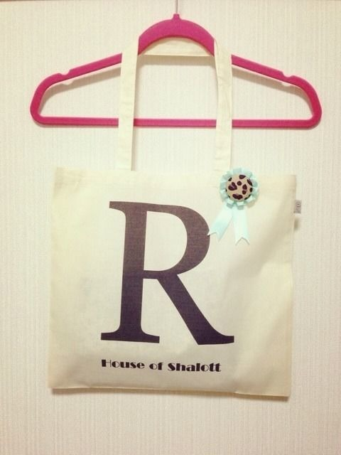 "Alphabet tote with Rosette ""R"""
