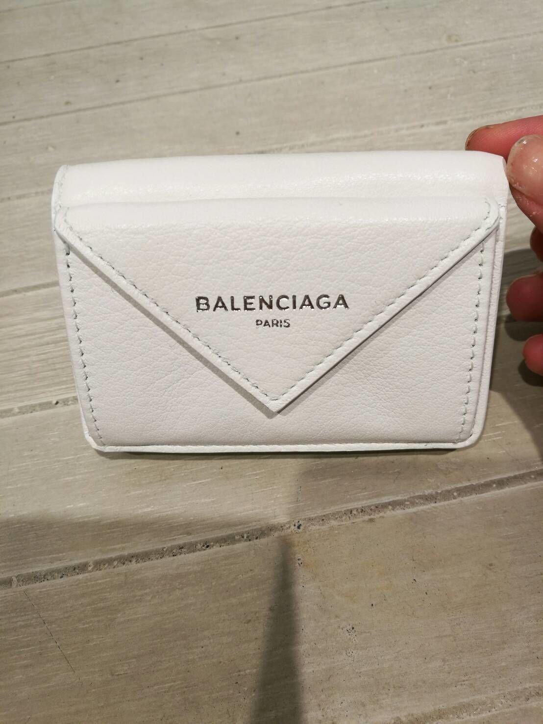 バレンシアガ三つ折りミニウォレット新色気品溢れるホワイト