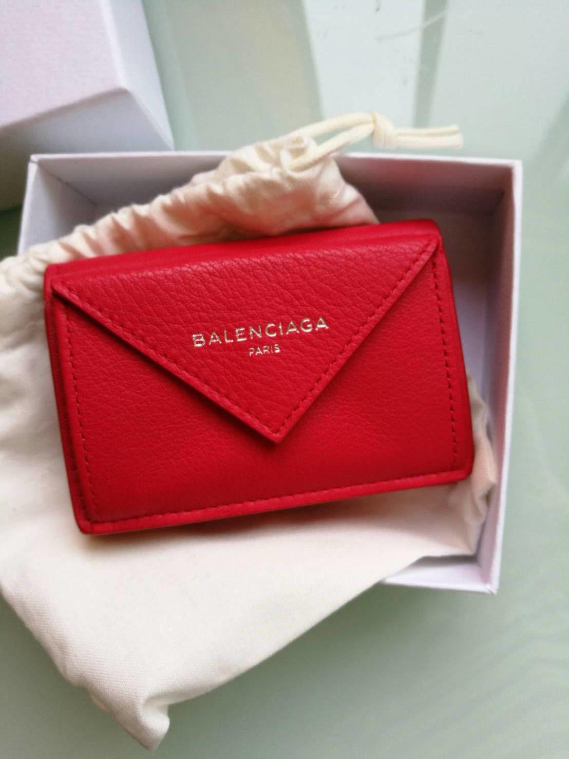 バレンシアガミニ財布