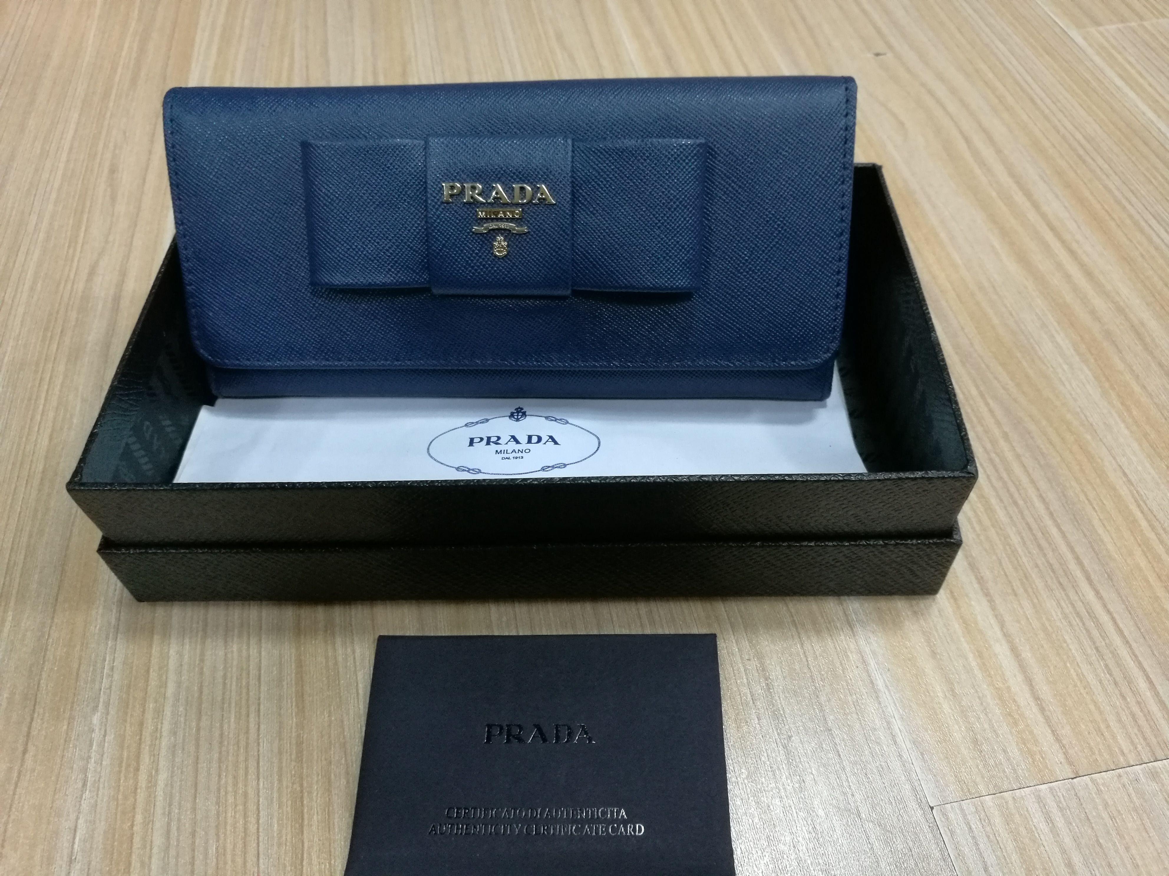 G-18 ?【超高級ブランド】PRADA プラダ 長財布
