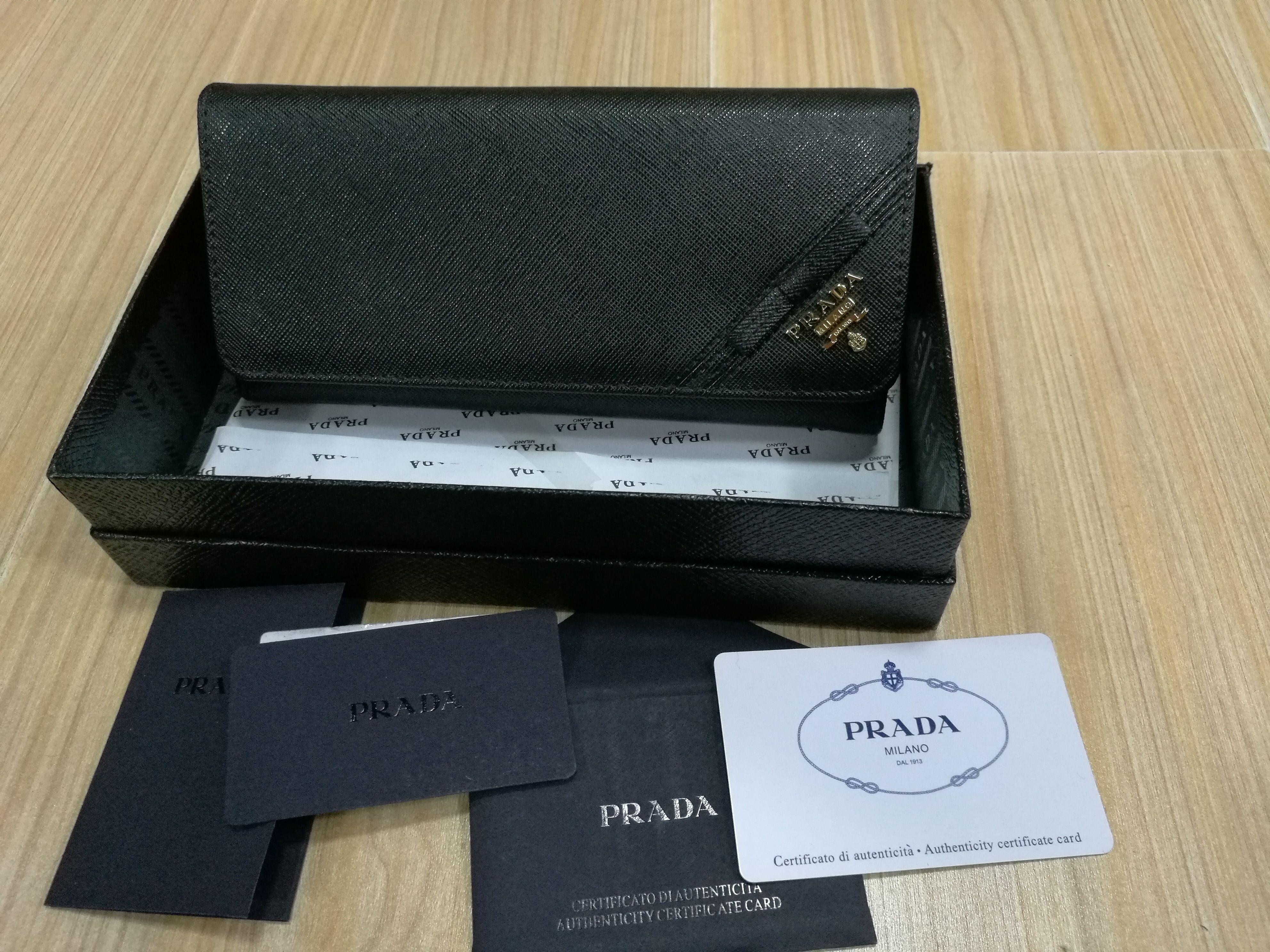 G-16 ?【激安販売】PRADA プラダ 長財布