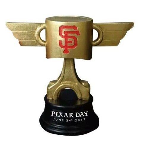 ディズニー・ピクサー カーズ  クロスロード MLB 限定 ピストンカップ・トロフィー  Cars3/San Francisco Giants Pixar Day Trophy