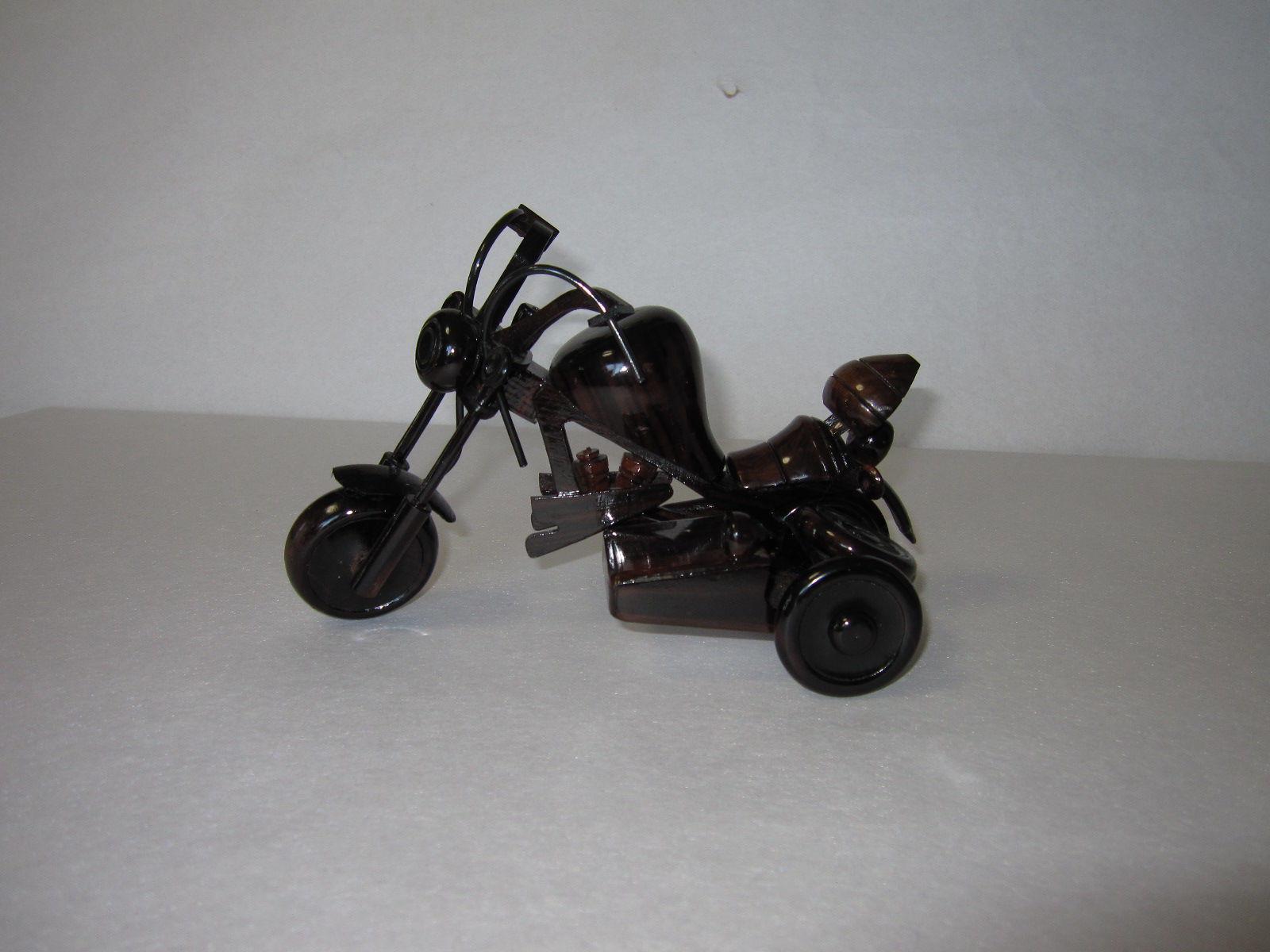 38.オートバイ(黒檀材)            (幅21×奥行13×高さ14cm)