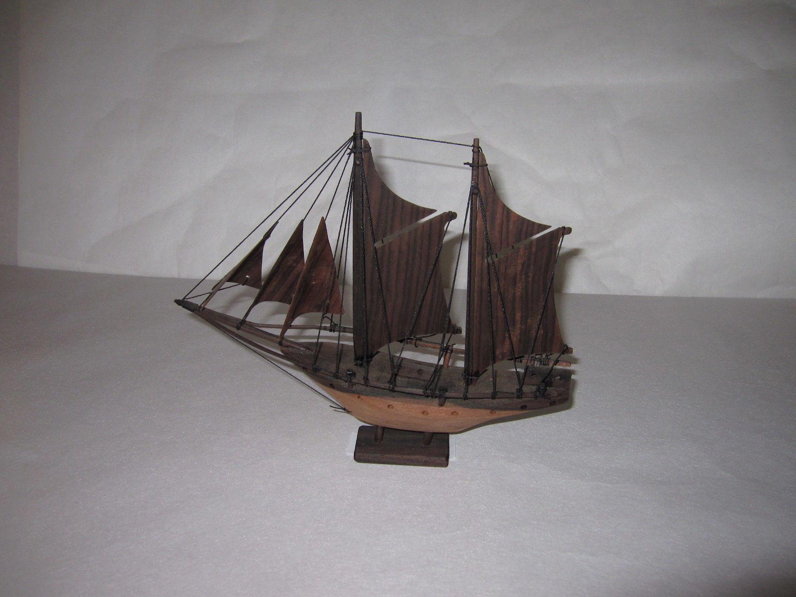 29.帆船(黒檀材)            (幅29×奥行7×高さ23cm)