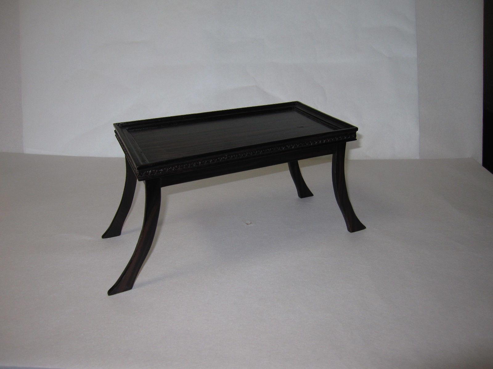 37.小机(黒檀材)            (幅40×奥行15.7×高さ18cm)