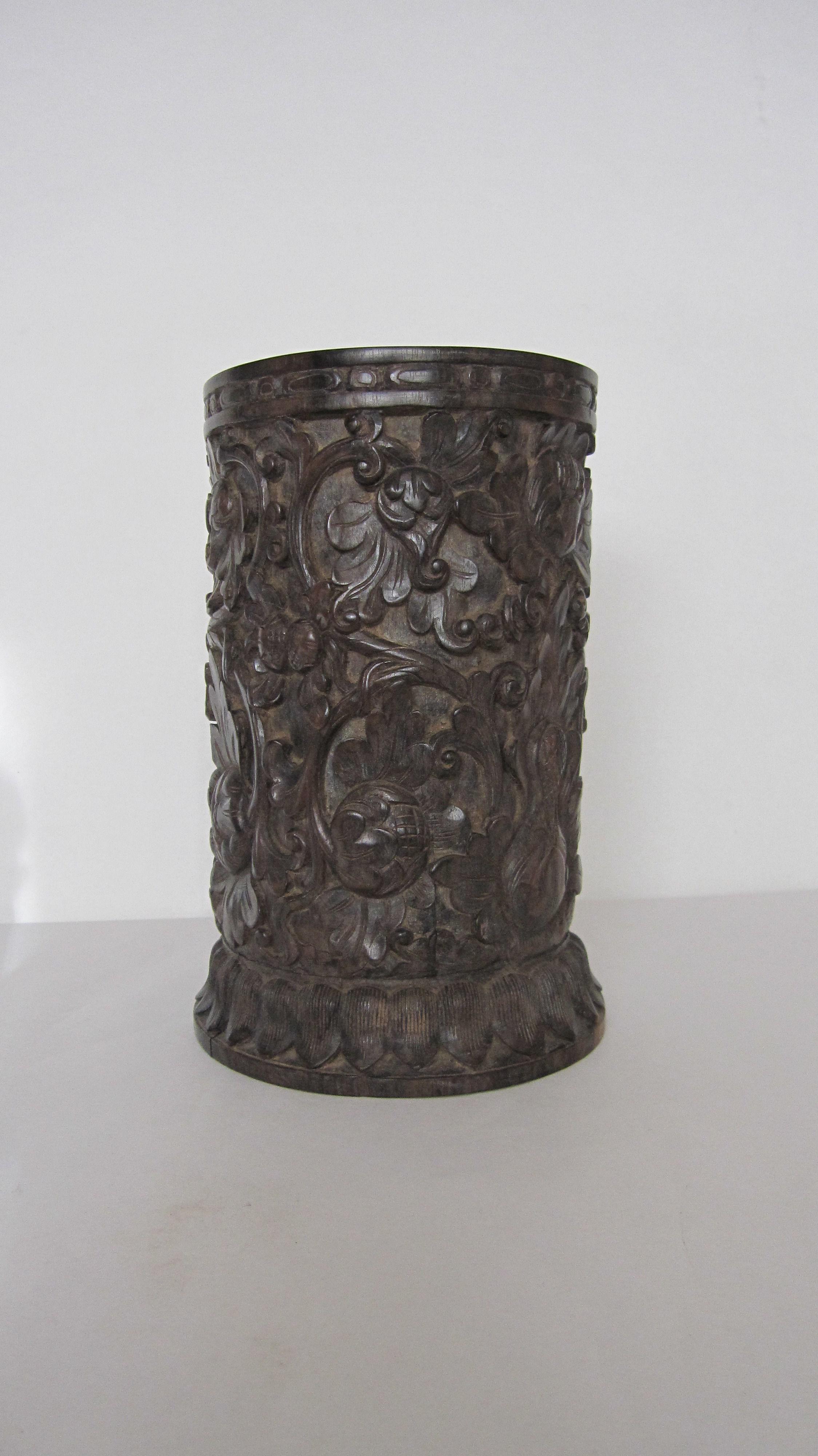 96.花瓶(黒檀材)            (幅15×奥行14.8×高さ22.3cm)