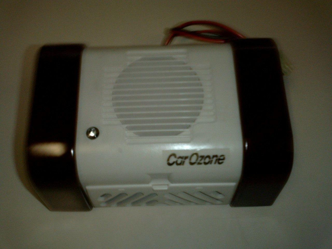 車載用オゾン発生器「CAR-OZONE」(乗用車専用)