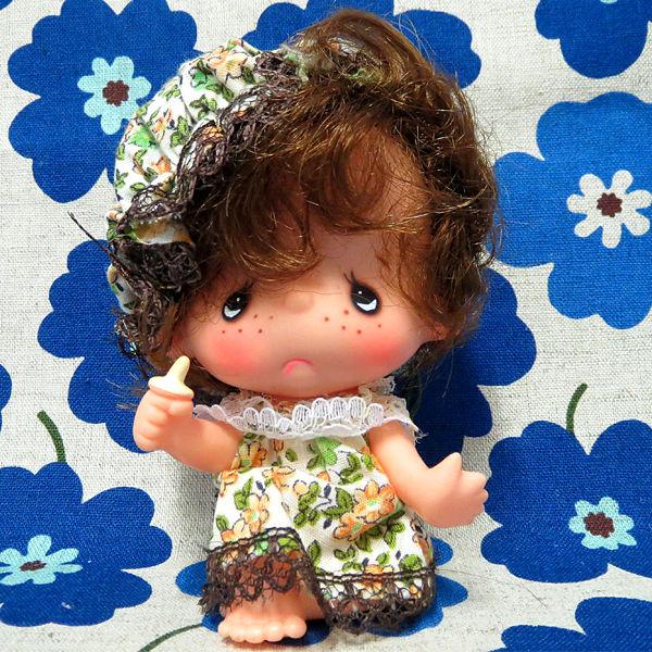 デザインキザワ マスコットソフビドール 女の子 花柄グリーン