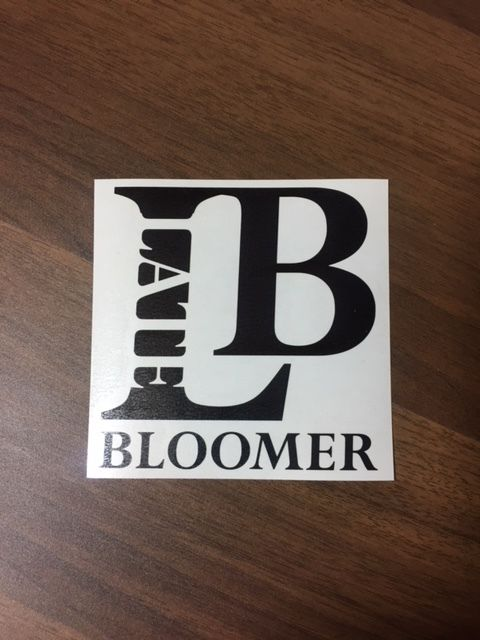 Late bloomer カッティングステッカー