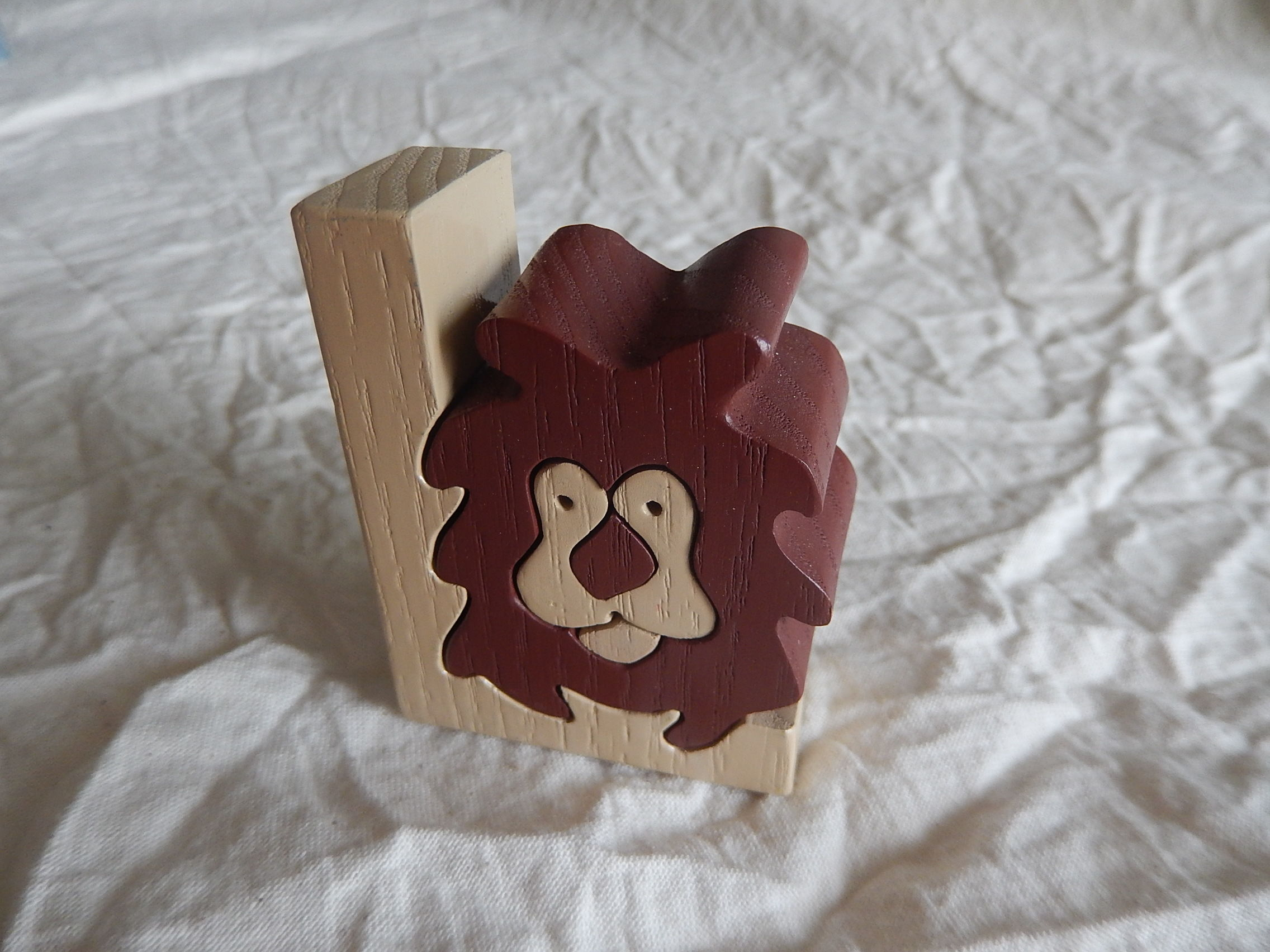 クロアチア製木のおもちゃ ライオン