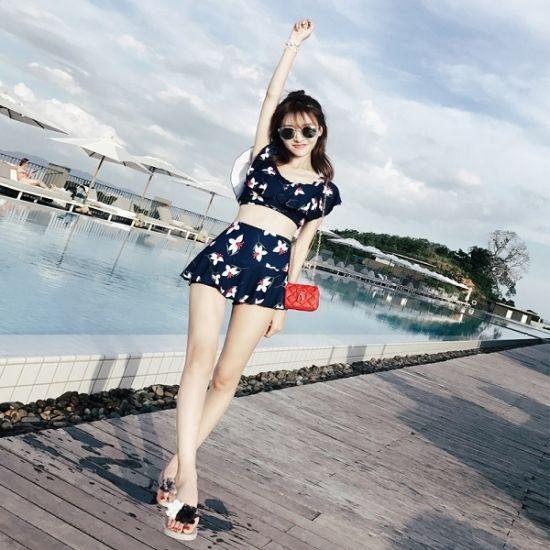 韓国 水着 ワンピース オフショルダー レイヤードトップ 花柄ビキニ スカートパンツ  夏 海 旅行 バカンス FS030001