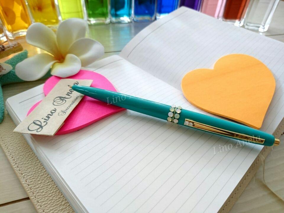 カラーが選べる?スワロフスキーデコボールペン