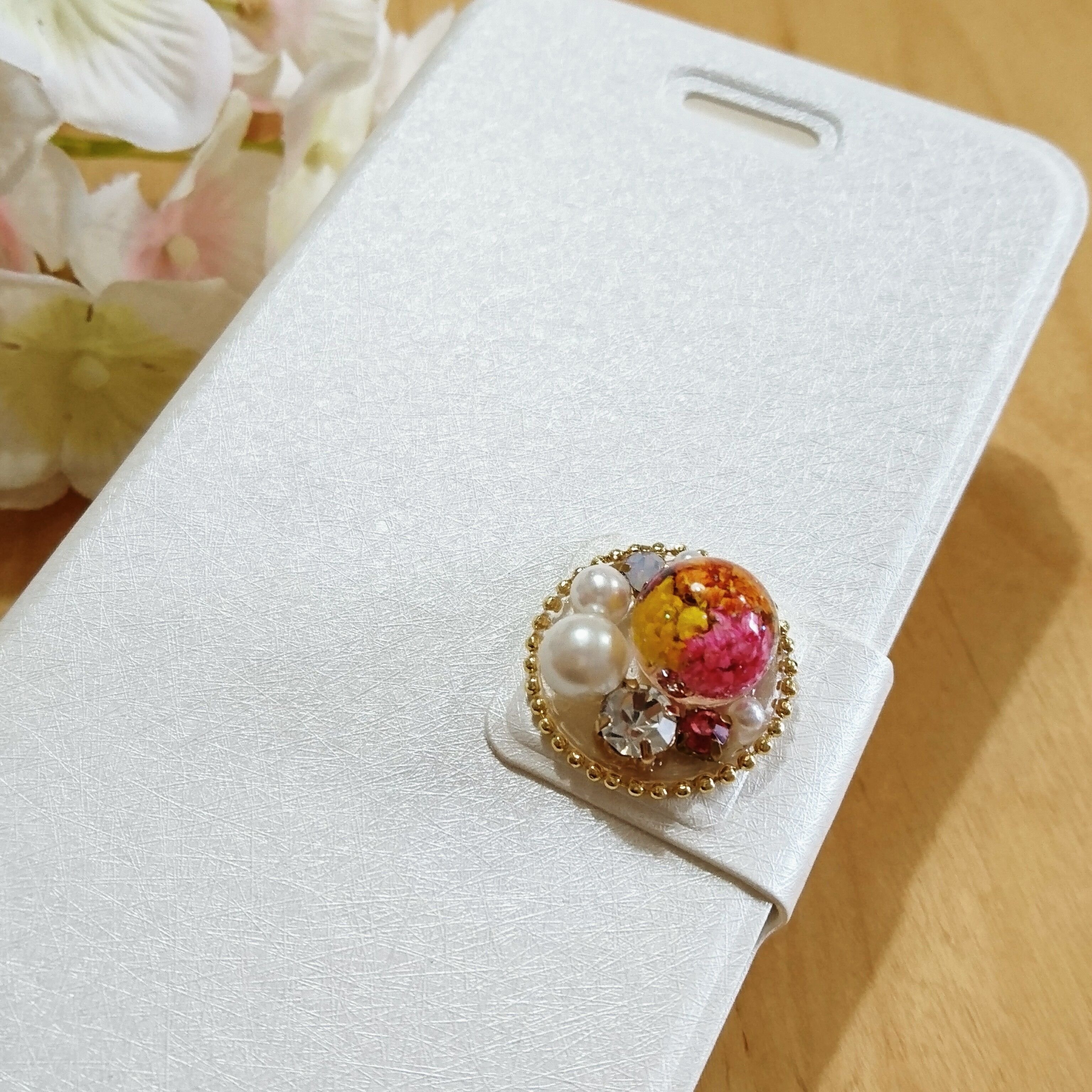 F88) iPhoneケース●ドライフラワーとパールとビジュー(オレンジ・イエロー・ピンク)