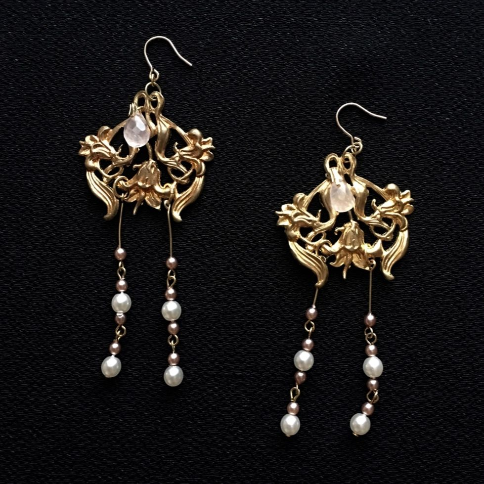 """LYS -fantasia for your dress- """"Garden Lily""""ピアス/イヤリング"""