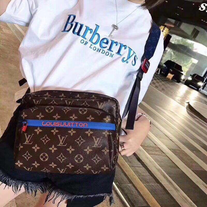 【Madoka STORE】バーバリー   トップス    Tシャツ 半袖    ima-809