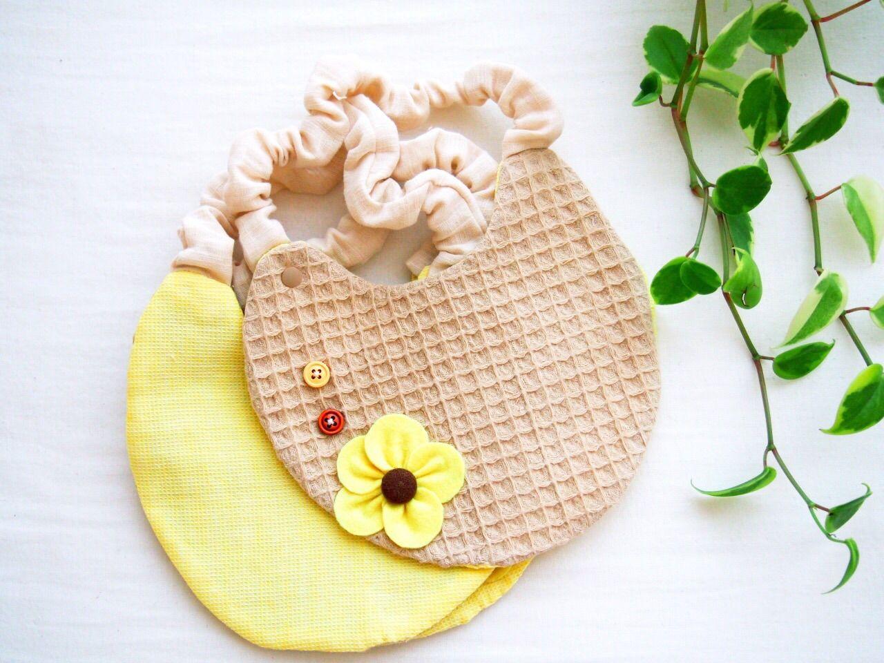 黄色いお花スタイ よだれかけ やわらかガーゼ仕上げ