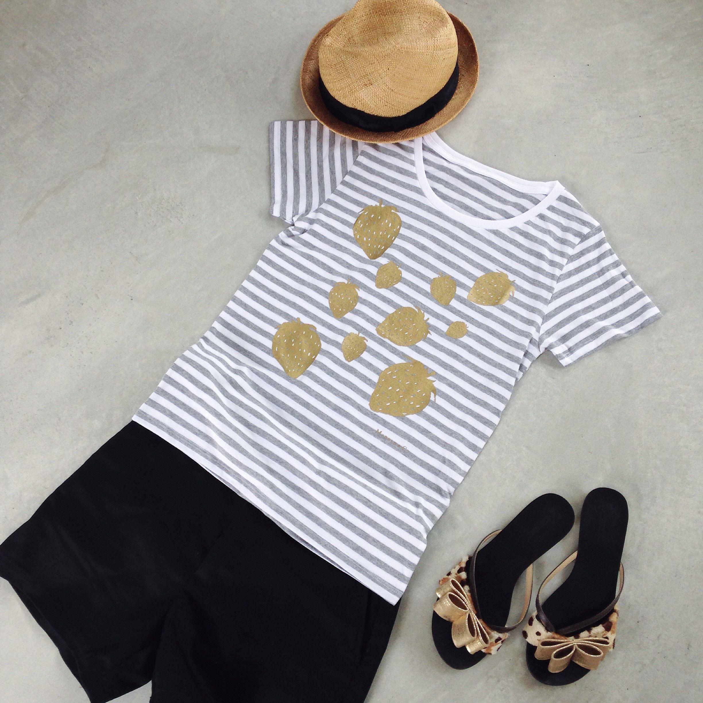 いちごの半袖Tシャツ(グレー)