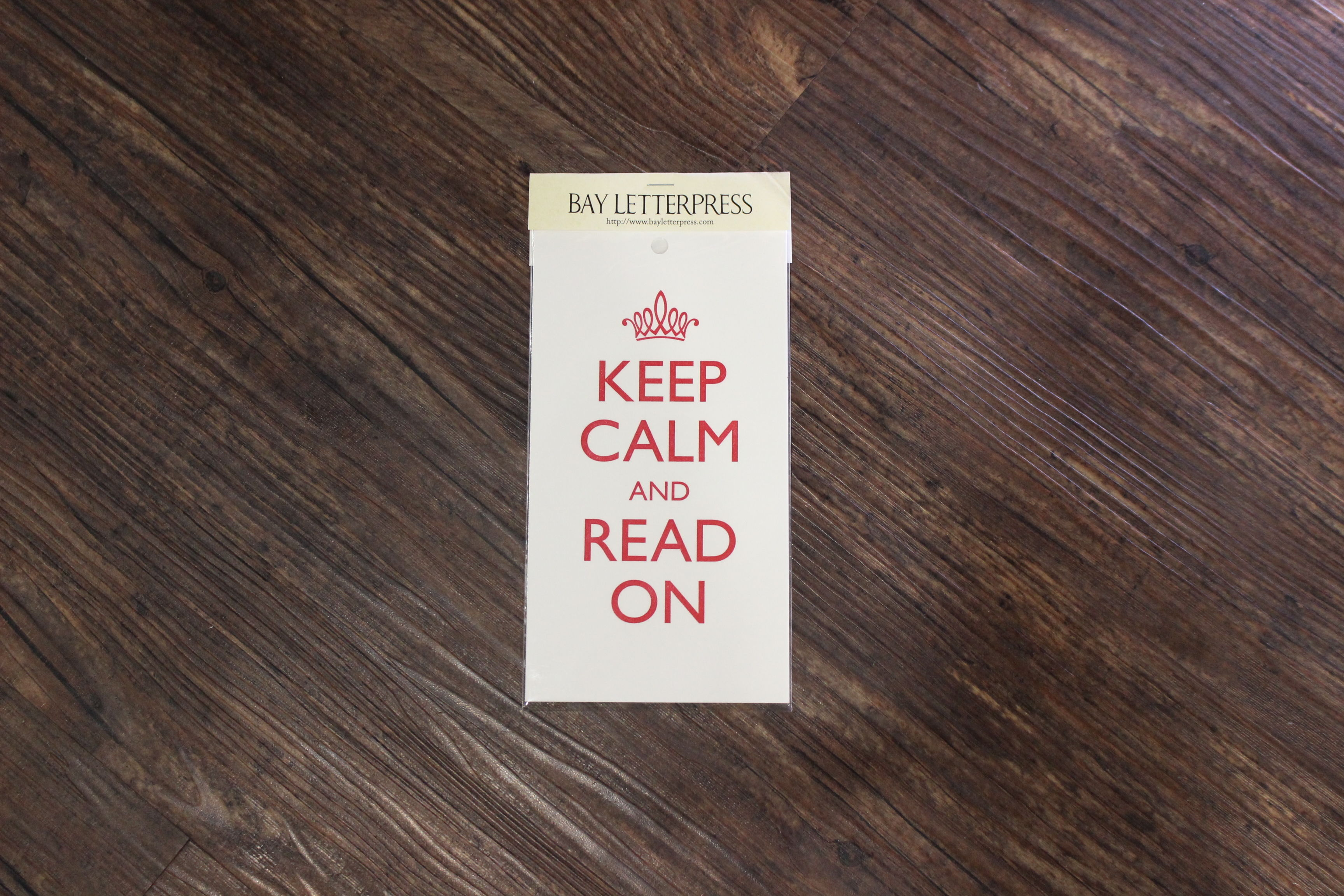 KEEP CALM AND READ ON(red)のミニポスター