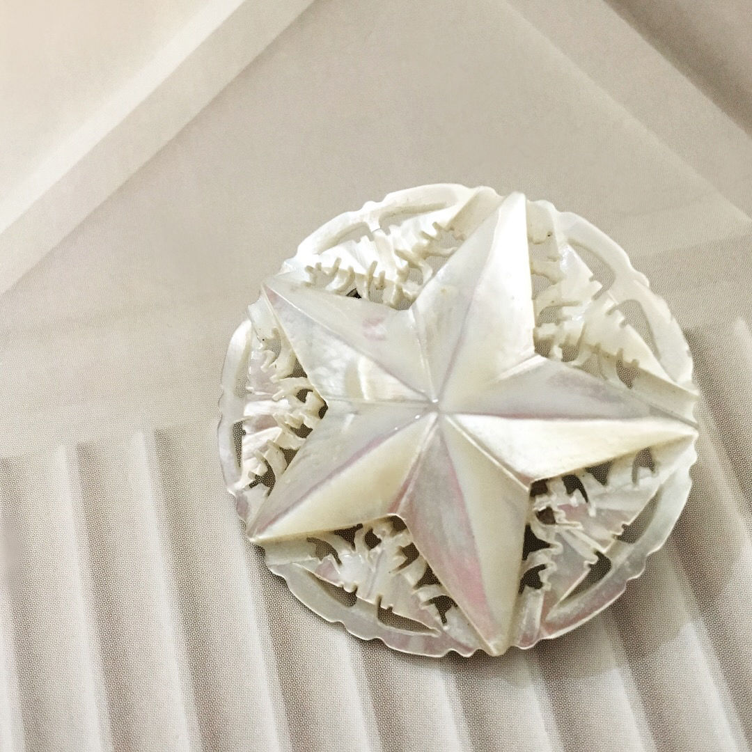 50's vintage Mother of Pearl Star Brooch