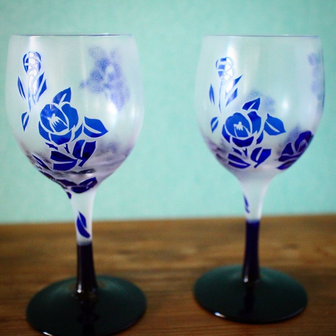 椿の花のペアワイングラス