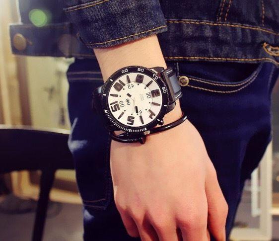 ラバーベルトウォッチ ホワイト  腕時計 メンズ レディース シンプル ギフト 人気 プレゼント 時計 おしゃれ 安い かわいい プチプラ ブレスレット  黒 モノトーン
